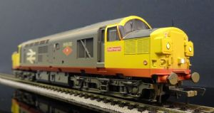 32-775SDDS Class 37/0 No. 37032 Red Stripe Railfreight (Weathered) SOUND FITTED